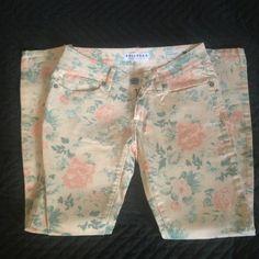 Pink floral print bullhead denim Like new, worn once. Final price Bullhead Jeans