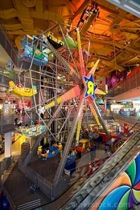 Toys R Us ferris wheel in times square
