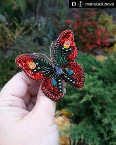 #Repost @mariakuzubova (@get_repost) ・・・ В продолжение темы осени в своих украшениях , родилась вот такая яркая бабочка Она вышита французкими и итальянскими пайетками, кристаллами и жемчугом сваровски, а также в работе использованы чешские бусины японский бисер и индийская канитель #ручнаяработа #украшенияназаказ #брошьручнойработы #стильныелюди #модныйобраз #модныеукрашения #украшенияворонеж #красотавдеталях #брошь #брошьбабочка #бабочка #украшениеручнойработы #украшения #хендмейд #j...