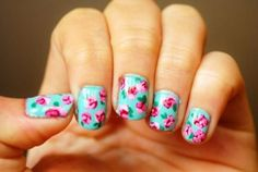 Vintage Floral Manicure.