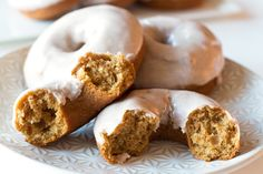 Gluten-Free Pumpkin Spice Donuts with a Maple Cinnamon Cream CheeseGlaze! | www.grainchanger.com