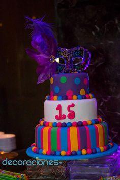 Decoración 15 años - Máscara                                                                                                                                                                                 Más Masquerade Cakes, Masquerade Party, 16 Cake, Cupcake Cakes, 15th Birthday, Birthday Cake, Quinceanera Cakes, Girl Cupcakes, Neon Party