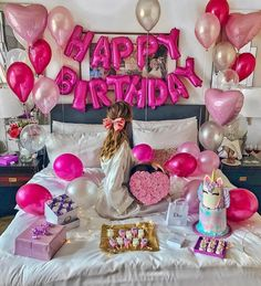 Birthday Ideas Discover HAPPY BIRTHDAY Balloons Banner in 12 Colors DIY Birthday Decorations. 13th Birthday Parties, Birthday Party For Teens, 14th Birthday, Birthday Party Themes, Birthday Wishes, Girl Birthday, 30th Party, Birthday Diy, Birthday Presents
