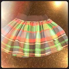 Abercrombie skirt Abercrombie & Fitch multi color mini skirt. Size small. Has a lining. Excellent condition Abercrombie & Fitch Skirts Mini