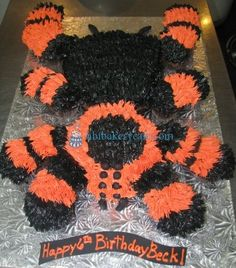 Tarantula Spider Cupcake Cake. Where was this example when I needed it haha mine was pretty cool though.