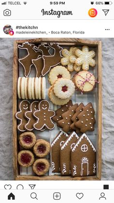 Recipe for gingerbread cookies, which you can use to make a pretty Christmas cookie box! cookiebox christmascookies holidaybaking gingerbread - Recipe for gingerbread cookies, which you can use to make a pretty Christmas cookie box! Christmas Sweets, Christmas Cooking, Noel Christmas, Christmas Goodies, Christmas Cookie Boxes, Christmas Biscuits, Christmas Baking Gifts, Homemade Christmas, Christmas 2019