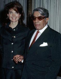 Jackie and Aristotle Onassis - carlanthonyonline.com