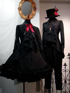 Pin on Clothes Gothic Lolita Fashion, Gothic Dress, Victorian Fashion, Pretty Outfits, Pretty Dresses, Beautiful Outfits, Old Fashion Dresses, Fashion Outfits, Punk Fashion