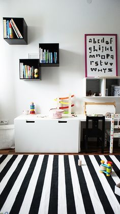 BLACK& WHITE FOR BOYS. The white drawer / bench is STUVA from Ikea