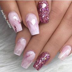 Mismatched pink nails