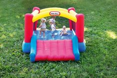 Inflatable Windmill Castle Bounce House, Kids can jump, slide and bounce in this Little Tikes Jump 'n Slide Bouncer inflatable. A fun, bouncy house design Easter Gifts For Kids, Diy Gifts For Kids, Kids Birthday Gifts, Toddler Gifts, Castle Bounce House, Bouncy House, Inflatable Bounce House, Inflatable Bouncers, Best Baby Toys
