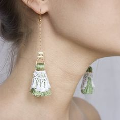 Spitze Ohrringe  Quasten  weisse Spitzen grünen Quasten von thisilk