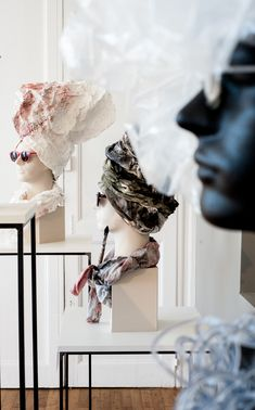 """Catherine Aerts Exposition """"Extravagances"""" - Pôle Expérimental des Métiers d'Art - Château de Nontron photo Jean-Yves Le Dorlot"""