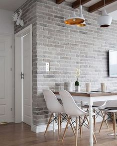 10 Strategies to Apply White Brick Wall in Various Rooms – Home Design Brick Tile Wall, Brick Accent Walls, Faux Brick Walls, White Brick Walls, Wall Tiles, Brick Interior, Living Room Interior, Living Room Decor, Living Room Brick Wall
