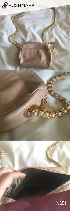 Nine West Gold Hardware Cross Body Used in Perfect Nine West Gold Hardware Cross Body Used in Perfect Condition! Please don't hesitate to ask any questions! :) Nine West Bags Crossbody Bags