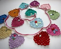Cherry Heart has some lovely free pattern instructions Ravelry: Granny Heart Bunting pattern by Sandra Paul Bunting Pattern, Crochet Bunting, Crochet Garland, Crochet Flower Patterns, Crochet Designs, Crochet Flowers, Bunting Tutorial, Crochet Ideas, Knit Or Crochet