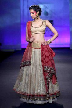 Anju Modi- Delhi Couture Week 2012