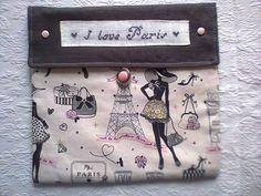 """Pochette molletonnée,brodée main sur lin """" I love Paris """",thème Paris : Trousses par kate27"""