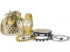 Kit Relógio Lince dourado, resistente à água que acompanha 04 pulseiras. Agora, você poderá arrasar com este lindo Kit aonde quer que vá!  O dourado veio para ficar. Essa, foi a cor que se destacou em grande parte dos desfiles de moda e agora, marca presença na coleção da Lince para esta temporada. Moderno, além de um lindo design, vem ainda em uma embalagem especial, que irá encantá-la ainda mais!