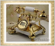 gilded phone, old school Vintage Phones, Vintage Telephone, Telephone Call, Cles Antiques, Antique Phone, Antique Brass, Retro Vintage, Vintage Items, Vintage Stuff