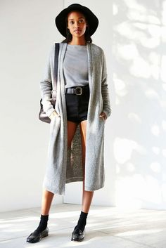 Fashionable and Cozy Long Cardigan Outfits Style Ideas http://www.ysedusky.com/2017/03/19/fashionable-and-cozy-long-cardigan-outfits-style-ideas/