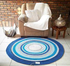 Tapete de crochê para sala: 40 fotos, inspirações e passo a passo Textured Carpet, Garland, Kids Rugs, Contemporary, Collection, Vintage, Home Decor, Crochet Rugs, Pallet