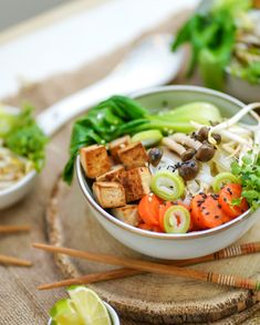 Vegán pho leves - Pesti Farm Pho, Tofu, Cobb Salad, Lime, Vegan, Limes, Vegans, Key Lime