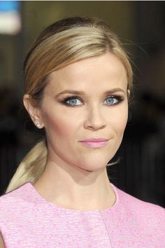 Who: Reese Witherspoon What: Smoky Eyes & Pink Lips How-To: The actress' slept-in eyeliner and smoky black shadow added an edgy element to her look, making her pale pink lipstick look a little less sweet. For a soft effect, wing out your eye makeup using shadow and a smudge brush instead of liquid liner. Editor's Pick: Chanel Eyeshadow Palette in Oiseaux De Nuit, $80, chanel.com.