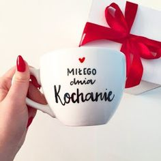 Dla każdego: DZIEŃ DOBRY Porcelain Ceramics, Morning Images, Emoji, Good Morning, Reflection, Happy Birthday, Humor, Gifts, Facebook