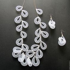 """Купить Ожерелье """"Аура"""" - белый, воздушное колье, необычное украшение, украшение из сетки, ювелирная сетка"""