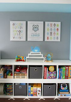 This transitional toddler room comes to us from Janey, the talented designer behind Piecemaker Studio {we're hosting a giveaway and offering a discount for our readers here, so check it out}. Her unique designs —seen above— were the inspiration for the space that her toddler boy calls his own. Scroll down for more details about t