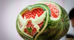 Food Art Watermelon The Effective Pictures We Offer You About food carving watermelon A quality pict Watermelon Art, Watermelon Carving, Watermelon Wedding, Carved Watermelon, Food Carving, Good Food, Yummy Food, Snacks Für Party, Healthy Kid Snacks