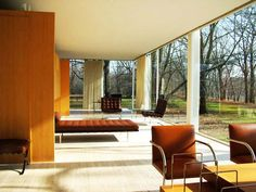 The Farnsworth House, built by Ludwig Mies van der Rohe in 1951 and located near Plano, Illinois, is one of the most famous examples of modernist domestic architecture and was considered unprecedented in its day. Farnsworth House, Maison Farnsworth, Ludwig Mies Van Der Rohe, Patio Interior, Interior And Exterior, Casa Cook, Interior Design Elements, Walter Gropius, Glass House