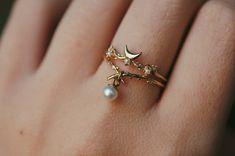 Moon Guardian Ring – Sofia Zakia