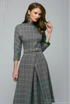 Lovely tailored dress,, would go beautifully with a small percher hat Modest Fashion, Hijab Fashion, Fashion Dresses, Pretty Dresses, Beautiful Dresses, Dresses For Work, Business Dresses, Mode Hijab, Indian Designer Wear