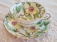 This is quite a rare piece. Tuscan hand painted yellow dogwood flowers. Would make a wonderful addition to your collection. In excellent condition- no chips, cracks or crazing.