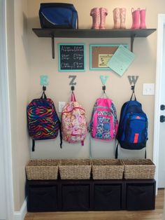 Need a drop zone for all the coats, hats, backpacks and shoes, but don't have a huge space? This smart guide for organizing a mudroom in a small space is full of practical, smart tips and ideas for transforming your small area to an organized landing spot Hat Organization, Small Space Organization, Home Organisation, Organizing Ideas, Kids Backpack Organization, Shoe Storage Ideas For Small Spaces, School Bag Storage, Kids Shoe Storage, Organizing Shoes