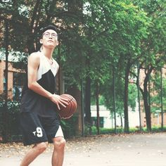 """vs.  :: """"My dream? NBA. But I'll probably end up on an MBA instead."""" Make your dreams come true regardless of what the world thinks your future should be.  #LifeGoals #Erasmus2016 #Erasmus #Erasmuslife #Basketball #NBA #MBA #Studentlife #student #college #studyabroad #studyingabroad #UniplacesLiving #BookIt #LiveIt"""