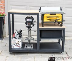 Create a workbench for your table saw using and some mdf. Building plans for a table saw stand, table saw station, table saw bench, table saw workbench. Table Saw Stand, Diy Table Saw, A Table, Wood Table, Woodworking Bench Vise, Easy Woodworking Projects, Woodworking Shop, Wood Projects, Sketchup Woodworking