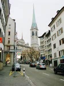 """Ein Besuch in Zürich, die schöne Stadt in der Schweiz, ist jeden Touristen Traum. Abgesehen davon, dass schön, ist Zürich auch die weltweit teuerste Stadt. Die Stadt hat sich als die weltweit teuerste wurde von niemand anderem als den Lesern der berühmten Zeitschrift-The Economist """"bezeichnet.   http://usarundreisewesten.yolasite.com/"""