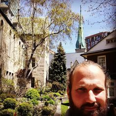 Last day at the University of Toronto. Becoming a storm rider ;-) #toronto #adventure #beyounique #dreams #epic #epiclife #happiness #happylife #keepitsimple #lessismore #minimalistic #motivation #mindset #nature #simplify #simple #simpleandpure #simplicity #travel #hypnosis #mikemandel #yourhappylife #yourlife #SOH