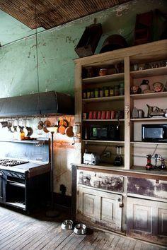 feeding the interior design room design home design design ideas Rustic Kitchen, Vintage Kitchen, Kitchen Decor, Big Kitchen, Kitchen Cupboard, Summer Kitchen, Kitchen Modern, Kitchen Shelves, Country Kitchen