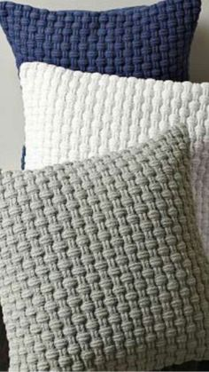 Crochet pillo w, light grey, Drops Paris Crochet pillow made with light grey yarn best 25 crochet cushions ideas on crochet Mandensteek 2 om Lijkt me l To jest piekne! Basket Weave Crochet Pattern, Crochet Pillow Pattern, Crochet Cushions, Knit Pillow, Crochet Patterns, Stitch Patterns, Weaving Patterns, Lumbar Pillow, Throw Pillows