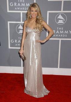 Carrie Underwood in a Badgley Mischka dress | 2007 Grammy Awards