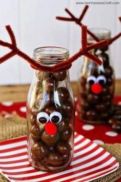 Holiday Decorating & Ideas – Fun reindeer craft for kids. Fill these jars with … Holiday Decorating & Ideas – Fun reindeer craft for kids. Fill these jars with whoppers or chocolate balls. The decorating is simple and takes only… Continue Reading → Best Christmas Recipes, Homemade Christmas, Diy Christmas Gifts, Christmas Decorations, Christmas Ideas, Holiday Decorating, Decorating Ideas, Holiday Ideas, Holiday Gifts