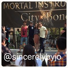 Best Day ever! Still can't believe I met the cast, Cassie and Harald!!! @Mortal Movie #tmimovie #tmimalltour #themortalinstruments #cityofbones