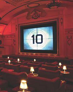 Finally! Pathé opent een 4DX-bioscoop met bewegende stoelen en geur