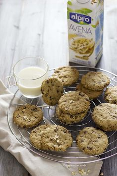 Biscotti all'avena e cioccolato vegani | Anna On The Clouds