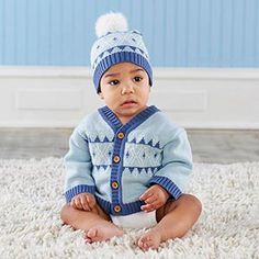 Baby Shower Haul This adorable gift set features a snuggly winter cardigan to wrap baby boy up in… Blue And White Hats, Blue V, Dark Blue, Light Blue, Personalized Baby Blankets, Personalized Baby Gifts, Newborn Baby Gifts, Baby Boy Gifts, Baby Shower Gifts For Boys