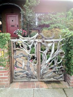 10 DIY Garden Gates IdeasTOP 10 DIY Garden Gates Ideas Chui Arbor- Chui Arbor Chui Arbor - I love fences made from branches, although I imagine this would be tricky to make.